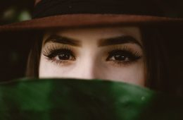 Eyelash extensions are the beauty world cheat to the fullest lashes of your life. Find out how to minimise the chances of your extensions falling out.